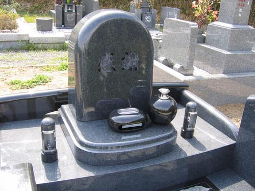 影彫り入りオリジナルデザイン墓石2.jpgのサムネール画像