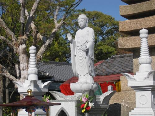 神戸・兵庫の良いお墓づくりは、良い石材店選びから(6)生命の絆を具現化するものこそが「お墓」