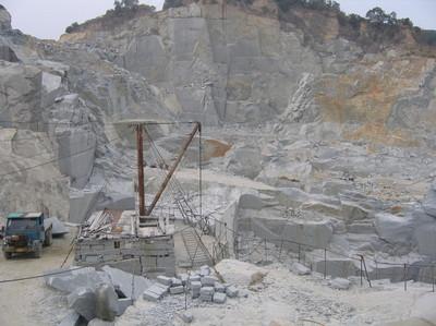中国産墓石の価格上昇・2012年/⑥中国の環境保護政策による採石丁場の閉鎖