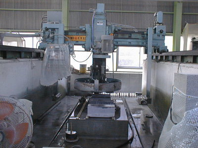 中国産墓石の価格上昇・2012年/⑤機械による自動化は進むのか?