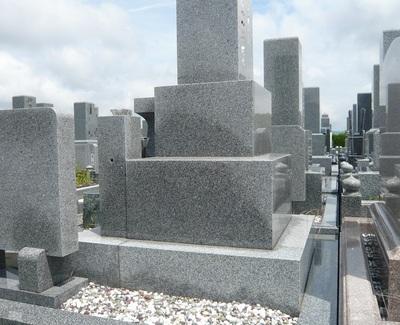 良いお墓づくりのための基礎知識(6)吸水率の低い石でも、お墓の中に水が入るのをご存知ですか?
