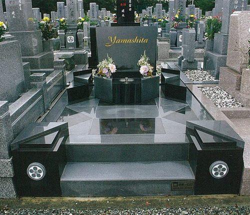 お客様の嘆きの声!「自分の想ったお墓を造れない石材店に頼むしかない霊園」