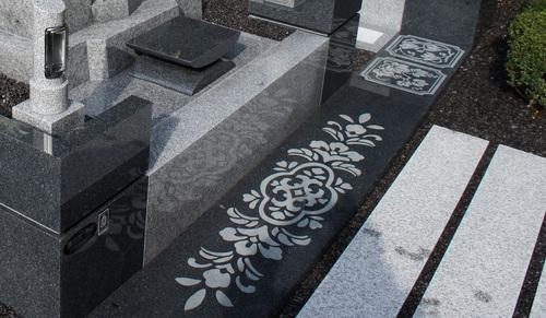 庵治石細目デザイン墓石-5-thumb-500x291-thumb-500x291.jpg