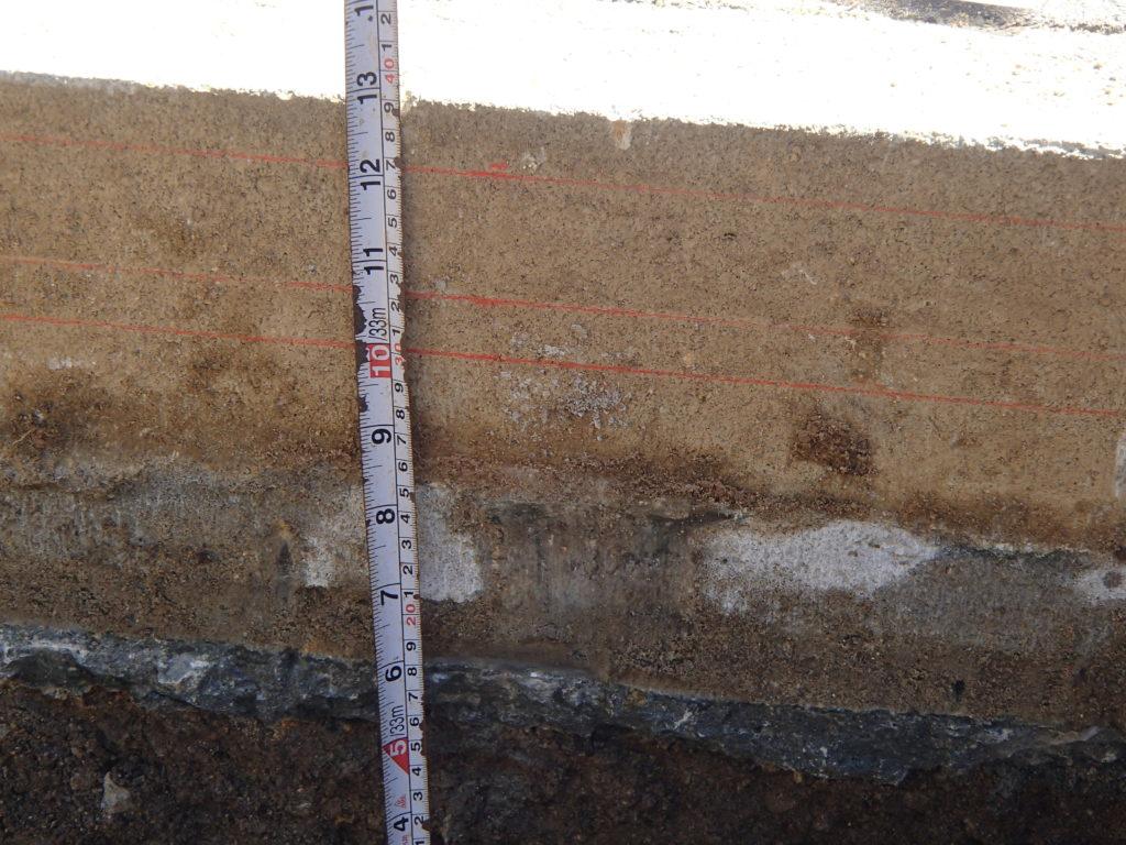 墓地を40cm掘り込み
