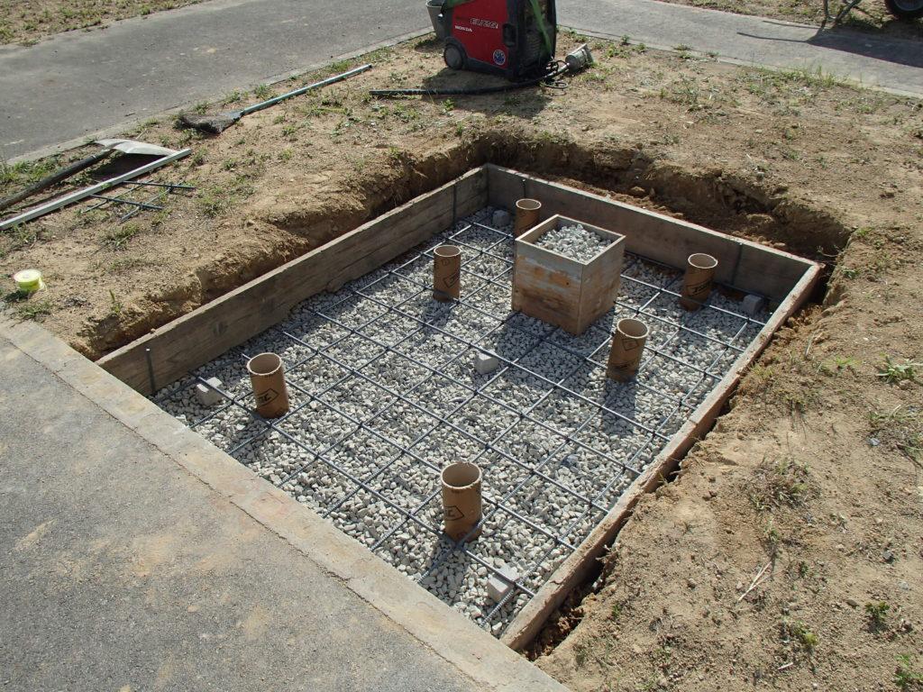 神戸市立鵯越墓園にて基礎工事用鉄筋配筋