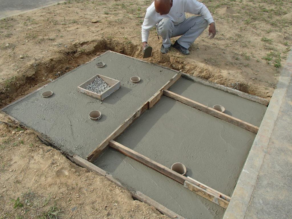 TK家墓所基礎工事完成