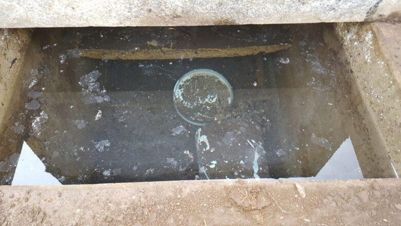 全国のほとんどの地域の墓石は水が入ってしまう構造