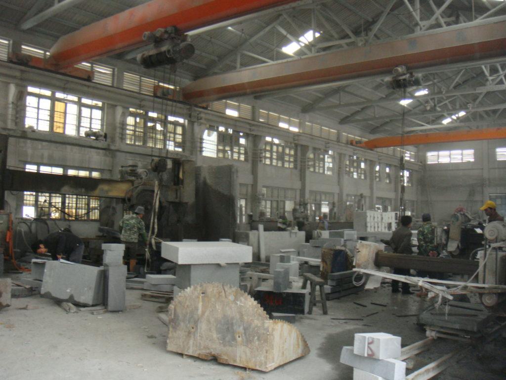 日本の石をわざわざ中国で加工する理由?
