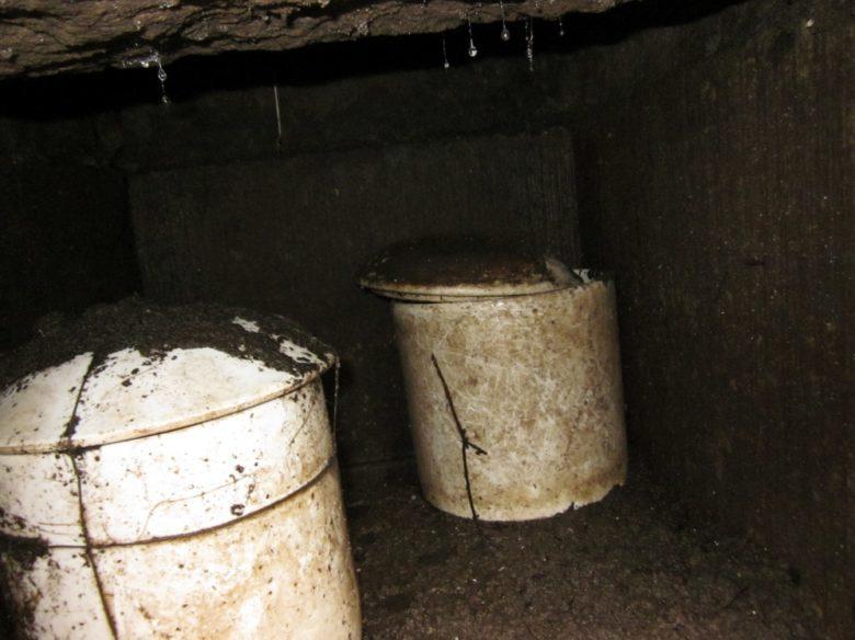 カロート内で水没した骨壺