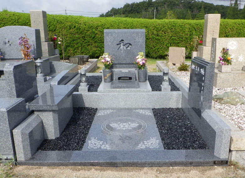 TY様のオリジナルデザイン墓石
