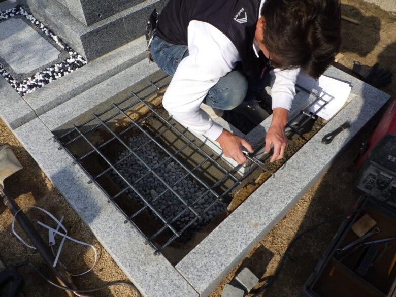 墓地の鉄筋コンクリート基礎工事